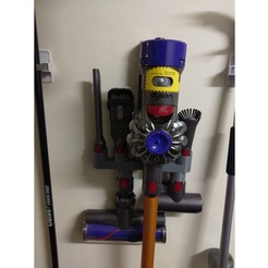 Handy wall mount for  Dyson V8 vacuum cleaner
