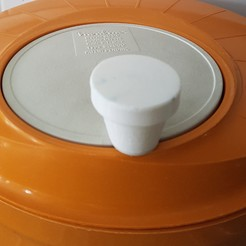 handle salad spinner