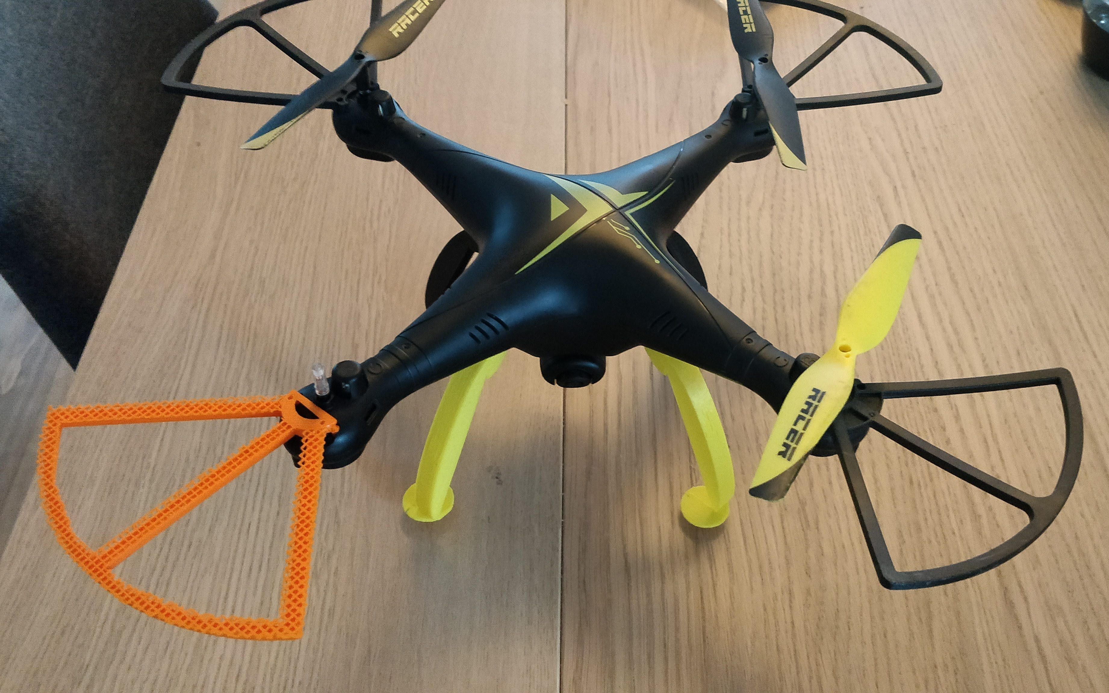 Happy3D fr - drone leg and propellers shield 3d printed