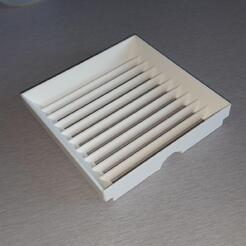 EQUATION - Grid for moisture absorber